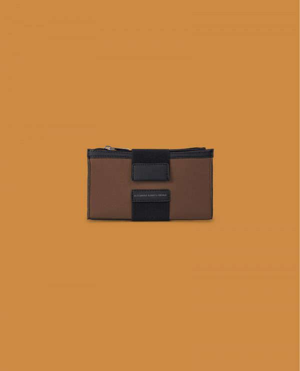 wallet-safari